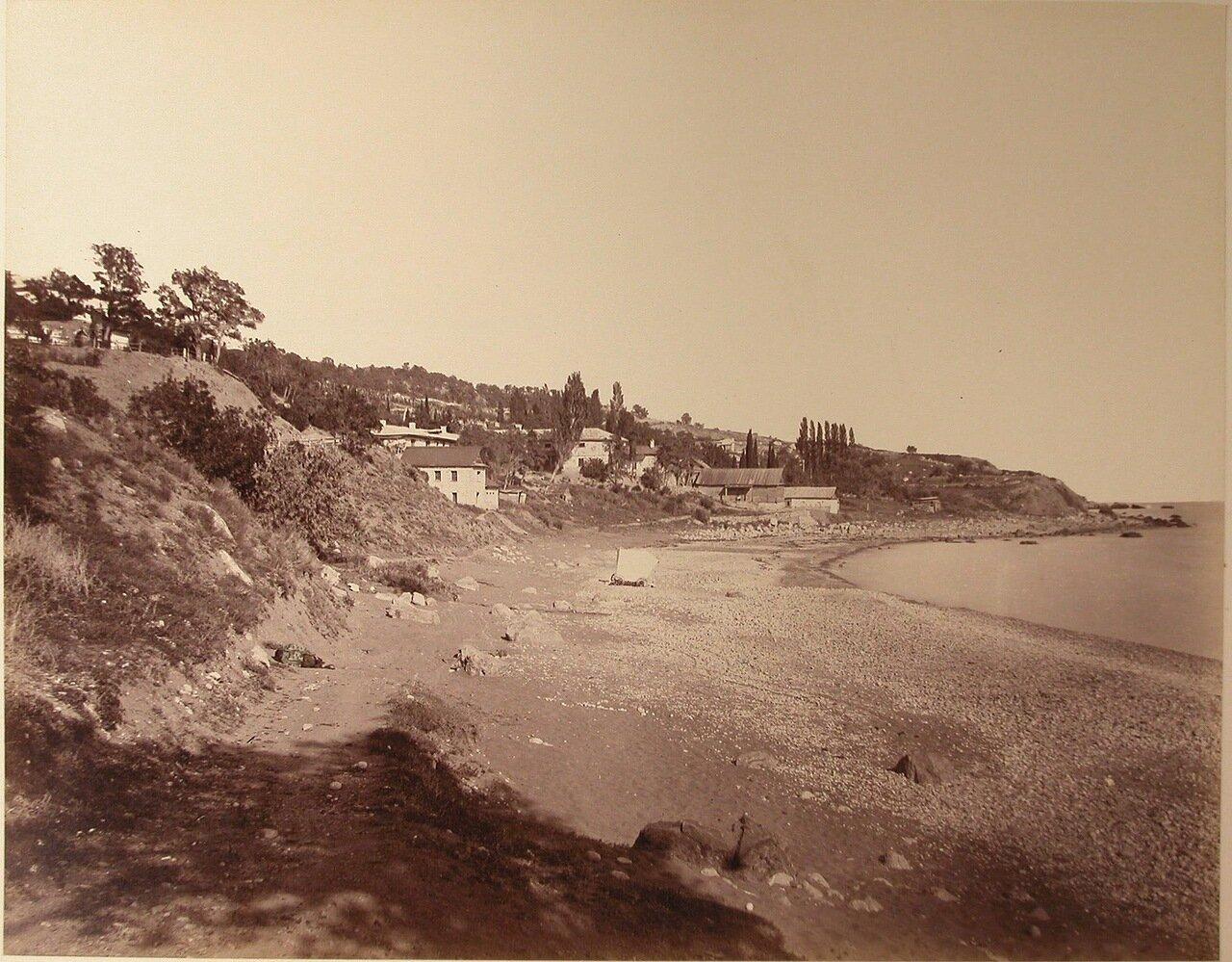 23. Симеиз.  Вид жилых домов на побережье.