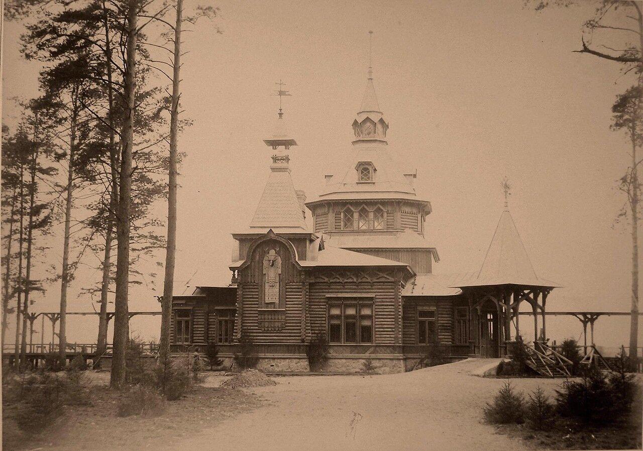 10. Вид императорского павильона близ станции Гайновка
