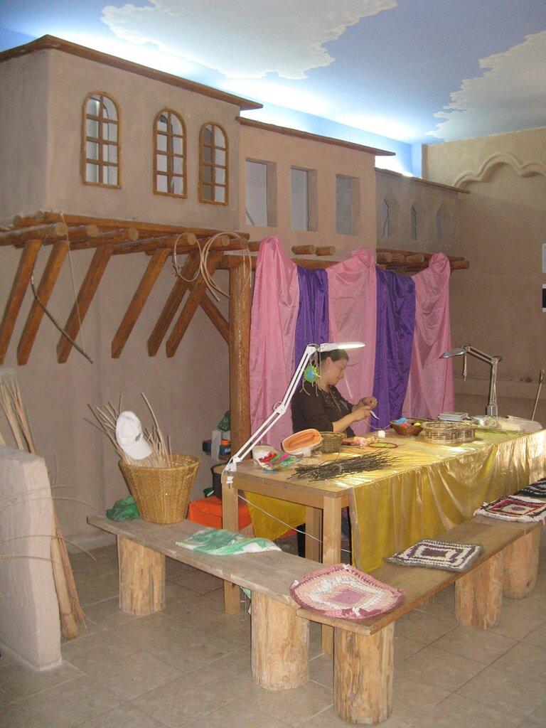Внуренний дворик, Узбекистан. Улица Мира.