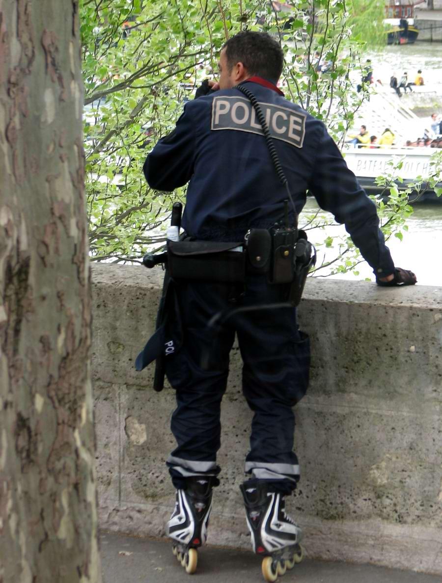 Ролики с полицией 9 фотография