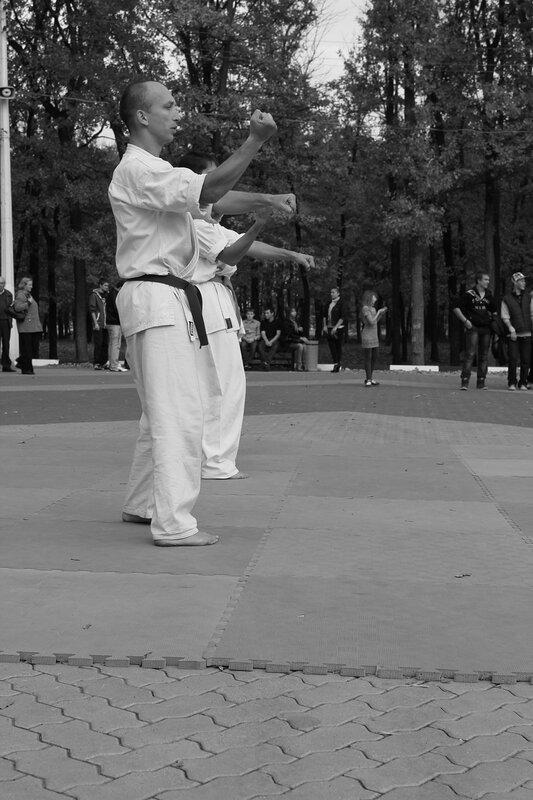 Показательные выступления в центр.парке Белгорода 8.09.2011