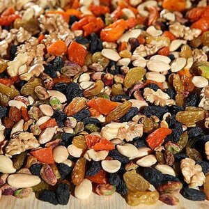 орехи сухофрукты