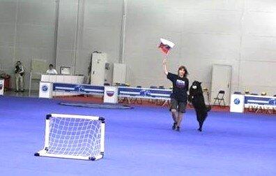 Джека играет в футбол на РОССИИ 2011