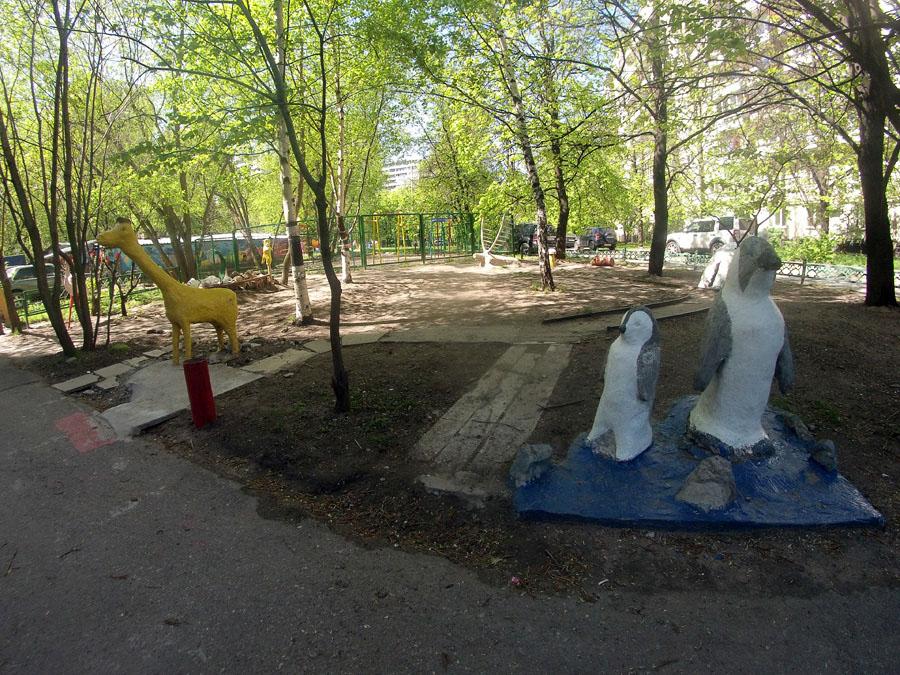 оформить двор фигурами животных