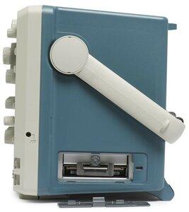 Цифровой осциллограф MSO5104B - вид справа