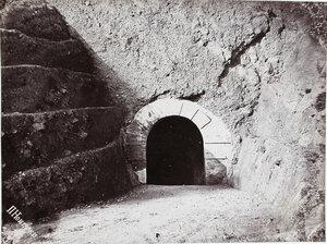 Вход в туннель имени императора Александра III через мыс Жонкиер.