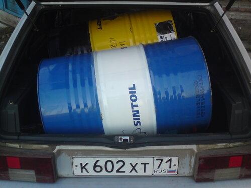 Зато в 2114 две 200 литровые бочки помещаются)))).