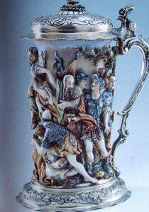 Фарфоровый охотничий кубок. Италия мануфактура Капо ди Монте (первая половина XVIII века):