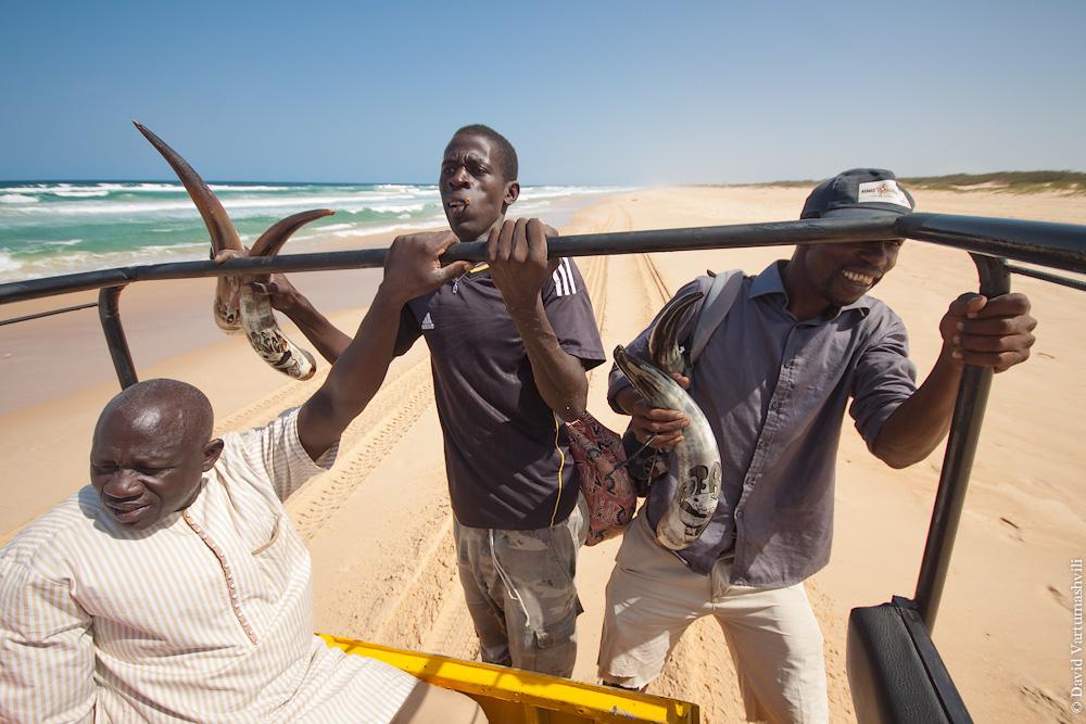 Сенегал, побережье Атлантического океана возле озера Ретба