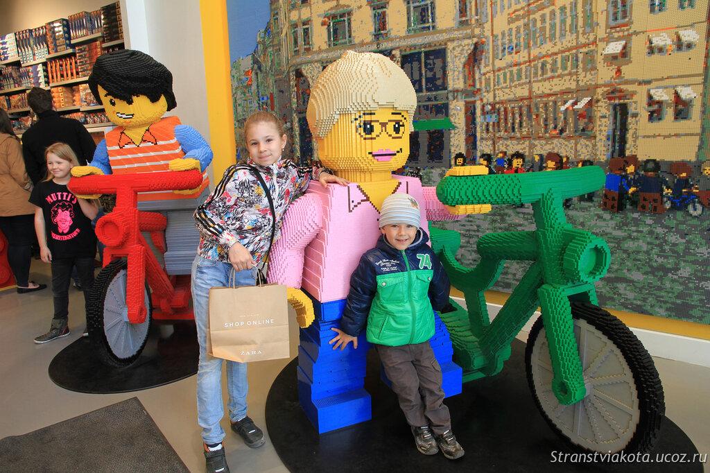 Фирменный магазин LEGO в Копенгагене