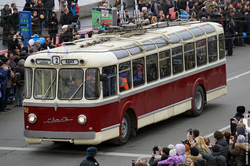 Парад-троллейбусов-06.jpg
