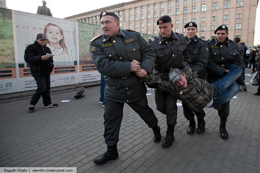 """""""День Сурка"""" на Триумфальной площади"""