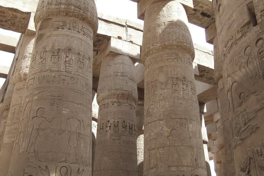 Карнак. Колонны Храма