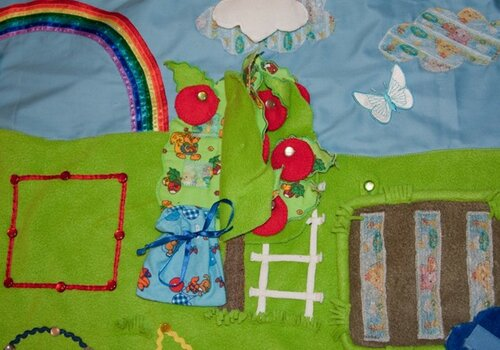 Детский развивающий коврик своими руками... яблоня, мешок, лестница