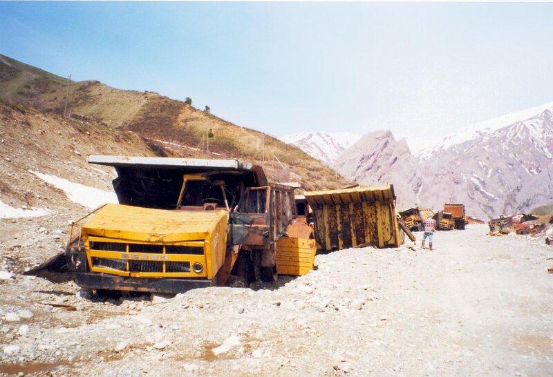 Destroyed_Dump_Trucks_in_Tajikistan.jpg