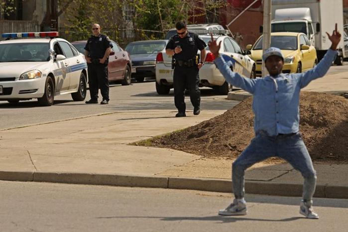 Самые яркие фотографии акций протеста после гибели Фредди Грея в Балтиморе