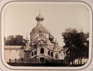 Вид часовни Чудотворной иконы Божьей матери Успенского Тихвинского мужского монастыря.