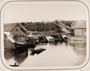 Вид на Новгородскую плотину и мукомольный завод Лотонина.