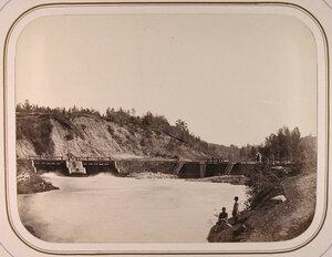 Вид на Таганрогские плотины и шлюз.