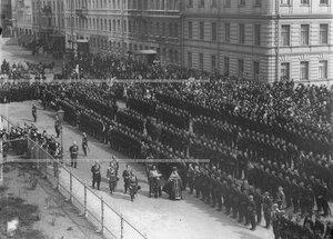 Обход священнослужителями солдат батальона в день открытия памятника подвигам Саперного батальона .