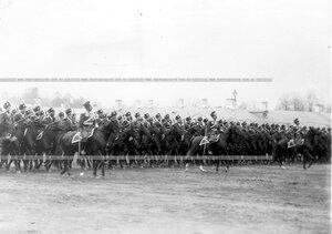 Подразделения лейб-гвардии Атаманского его императорского высочества государя наследника цесаревича полка на параде войск.