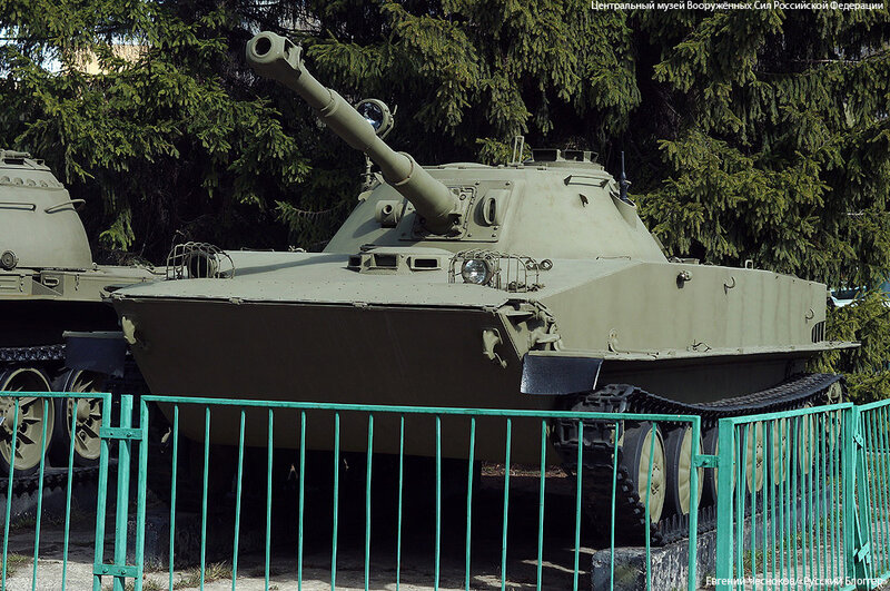 74. Музей ВС. 22.04.15.43. плав танк ПТ-76. 1951..jpg