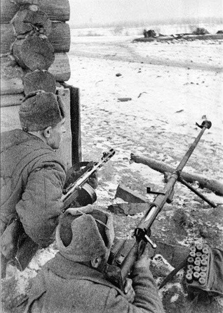 14.Бойцы Тульского раб. батальона-истреб. танков. Оборона Тулы. 1941.jpg