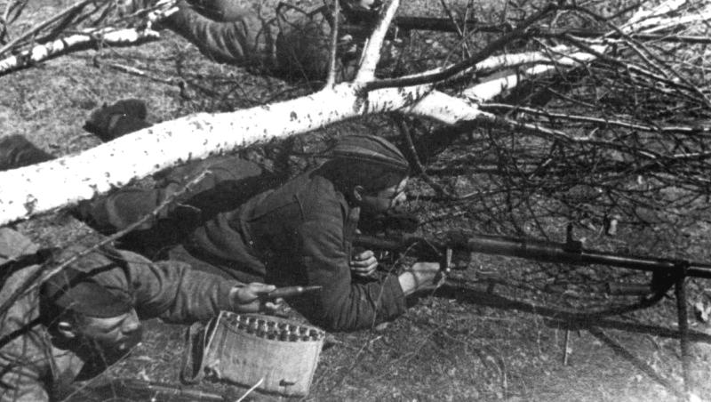30.Сов. бронебойщики на позиции в районе Железноводска. Ставрополье. 42.jpg