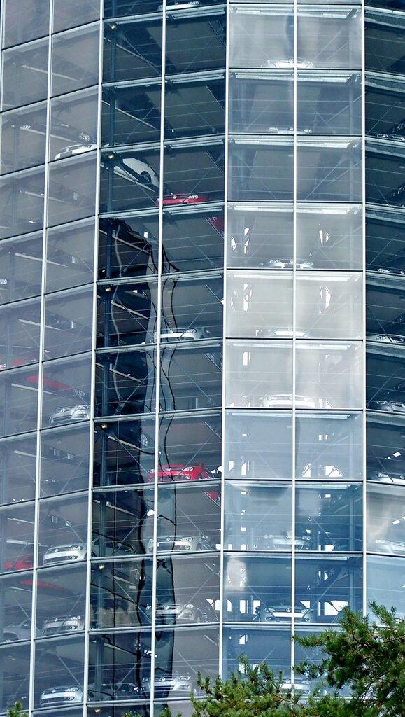 Как работают автоматические паркинги в Вольфсбурге