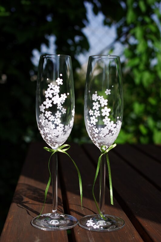 Ajala 39 S Blog FuNkY Champagne Glasses And Toasting Flutes For Your Weddin