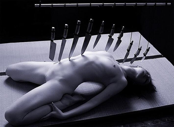 Обнаженные Ножи