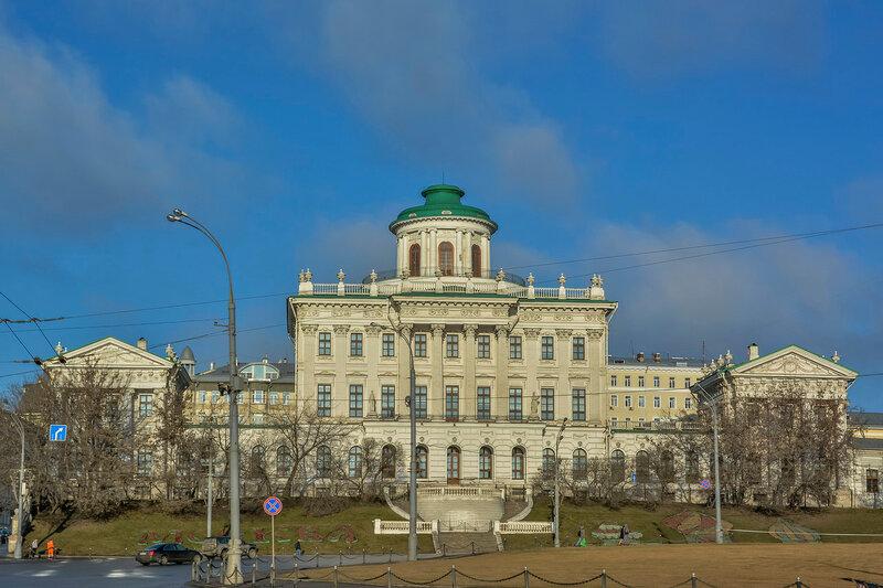 Дом Пашкова.jpg