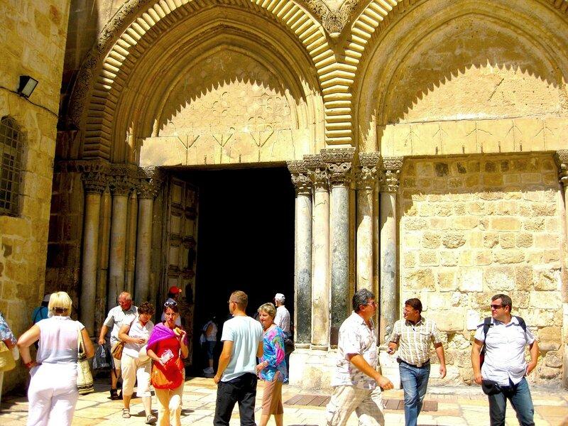 Главный вход в Храм Гроба Господня
