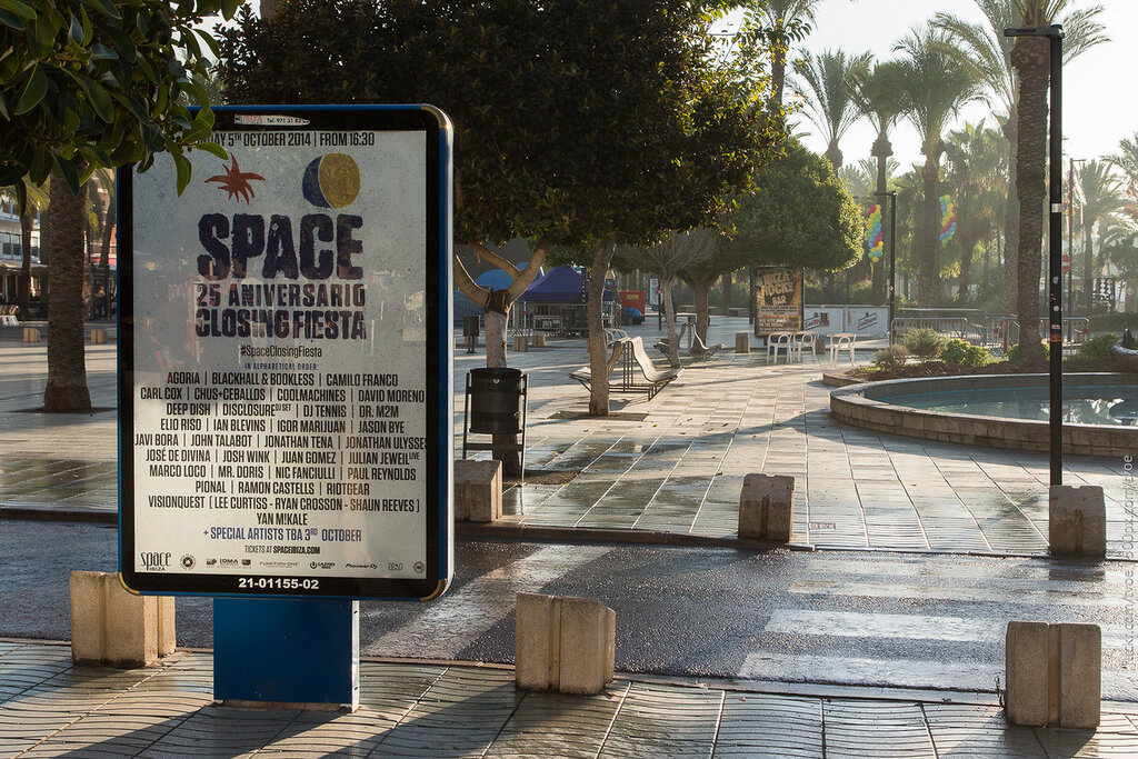 Реклама клуба Space на Ибице в Сан-Антонио