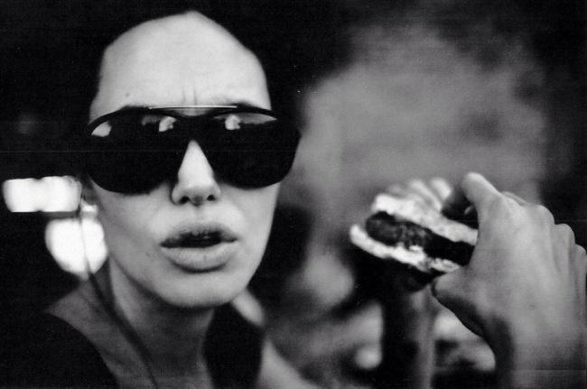 Теплые и трогательные снимки Анджелины Джоли, сделанные Брэдом Питтом
