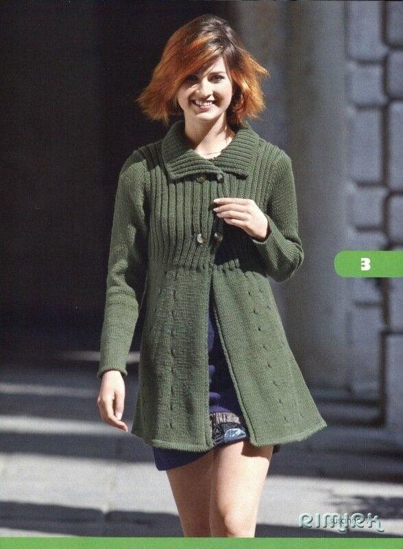 Вязание спицами.  Описание женской модели со схемой и выкройкой.  Короткое приталенное пальто с двубортной застежкой...
