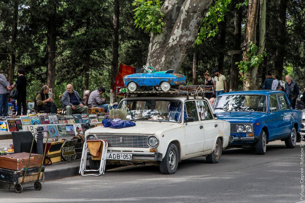 Блошиный рынок в Тбилиси -