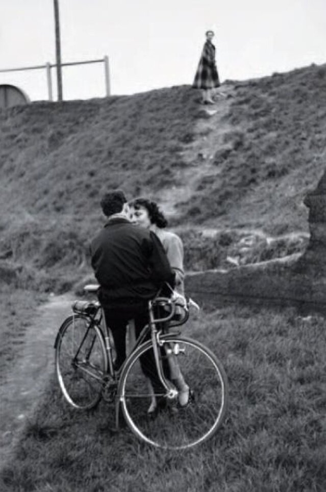 1952. Уркский канал, Париж