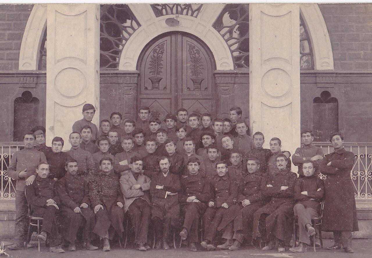 1913. Эчмиадзин