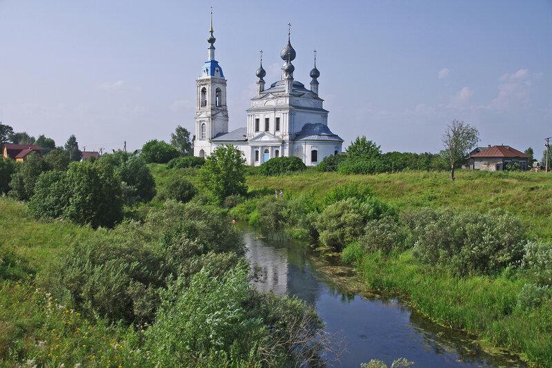 Церковь Рождества Пресвятой Богородицы в Савинском