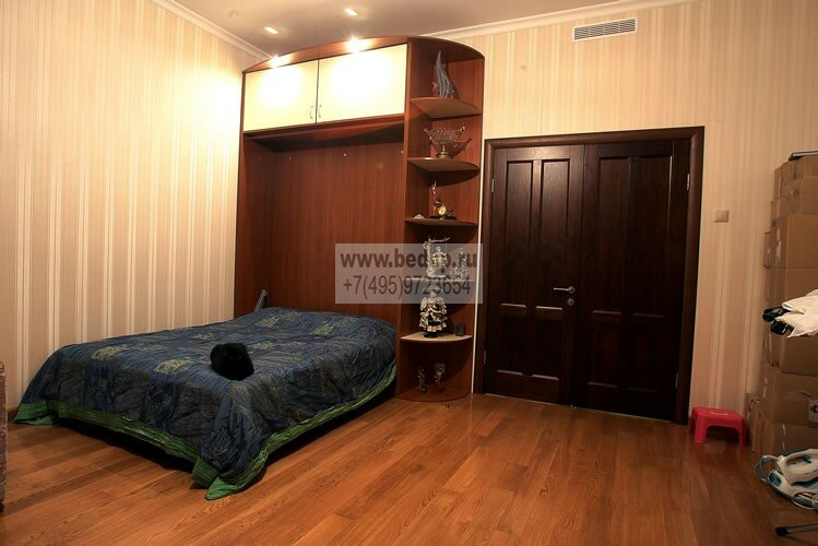 Шкаф со встроенным диваном фото