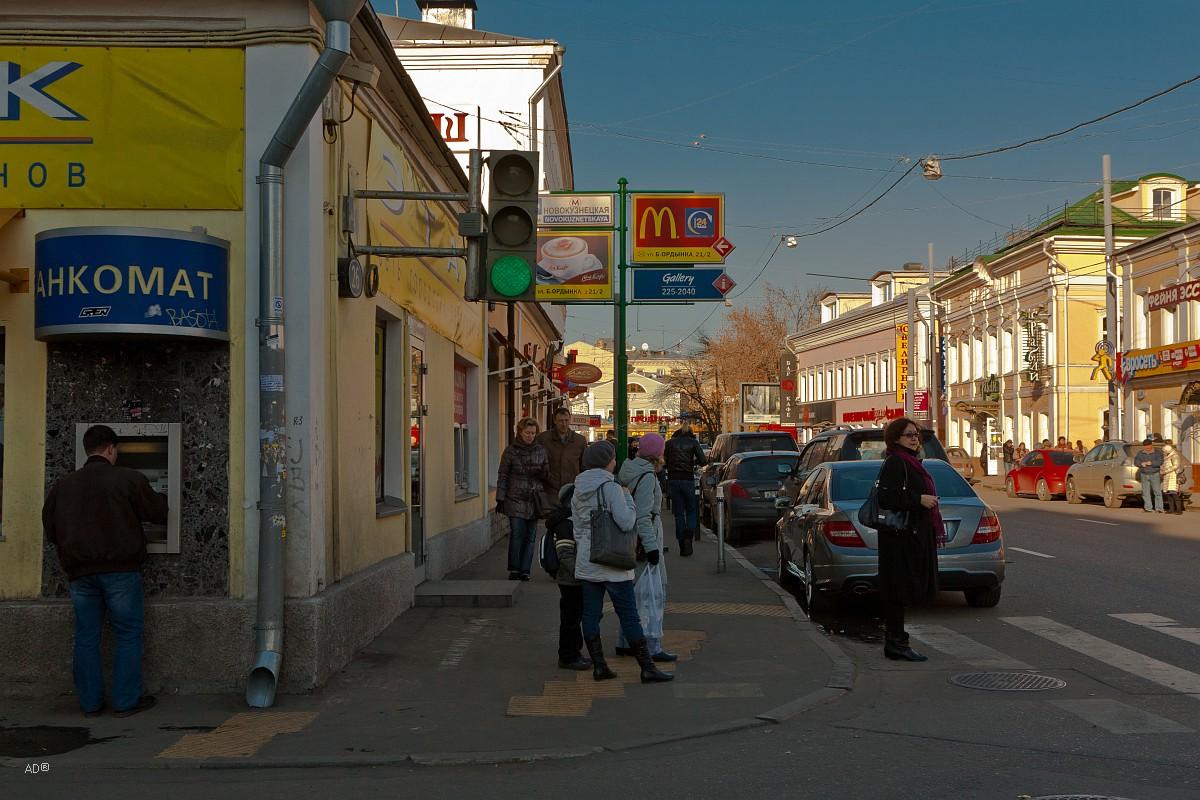 Пятницкая улица - четная сторона