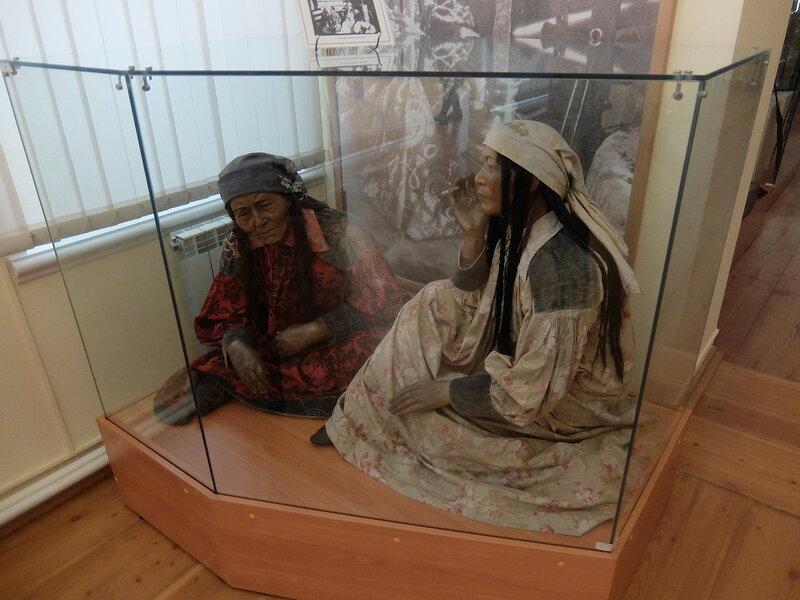 Минусинск - Краеведческий музей - Женщины