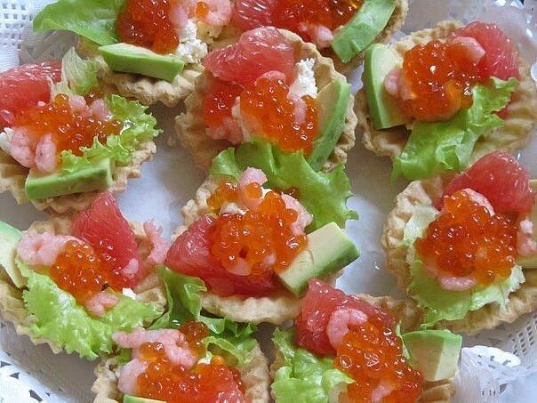 Рецепты и украшения салатов и закусок с фото
