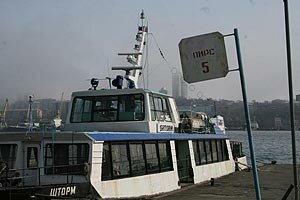 Паромы Владивостока в новом году становятся на якорь