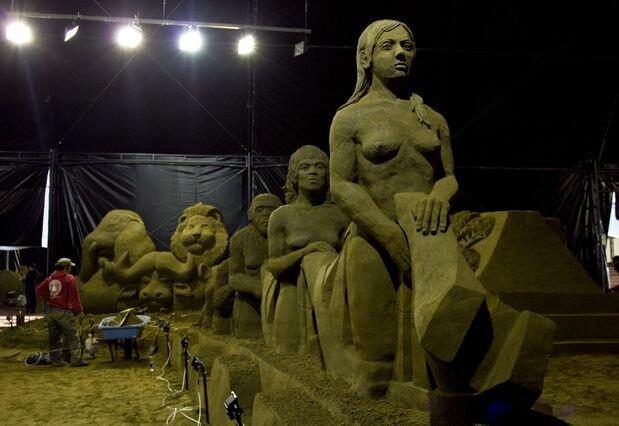 Выставка песчаных фигур Чудеса мира
