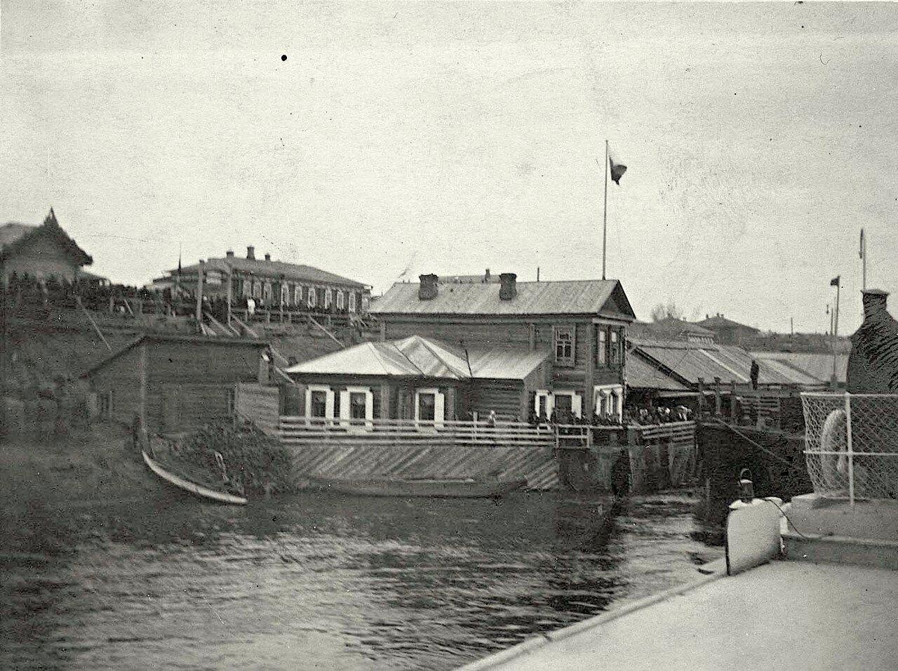 Набережная р. Енисея с пристанью Гадалова