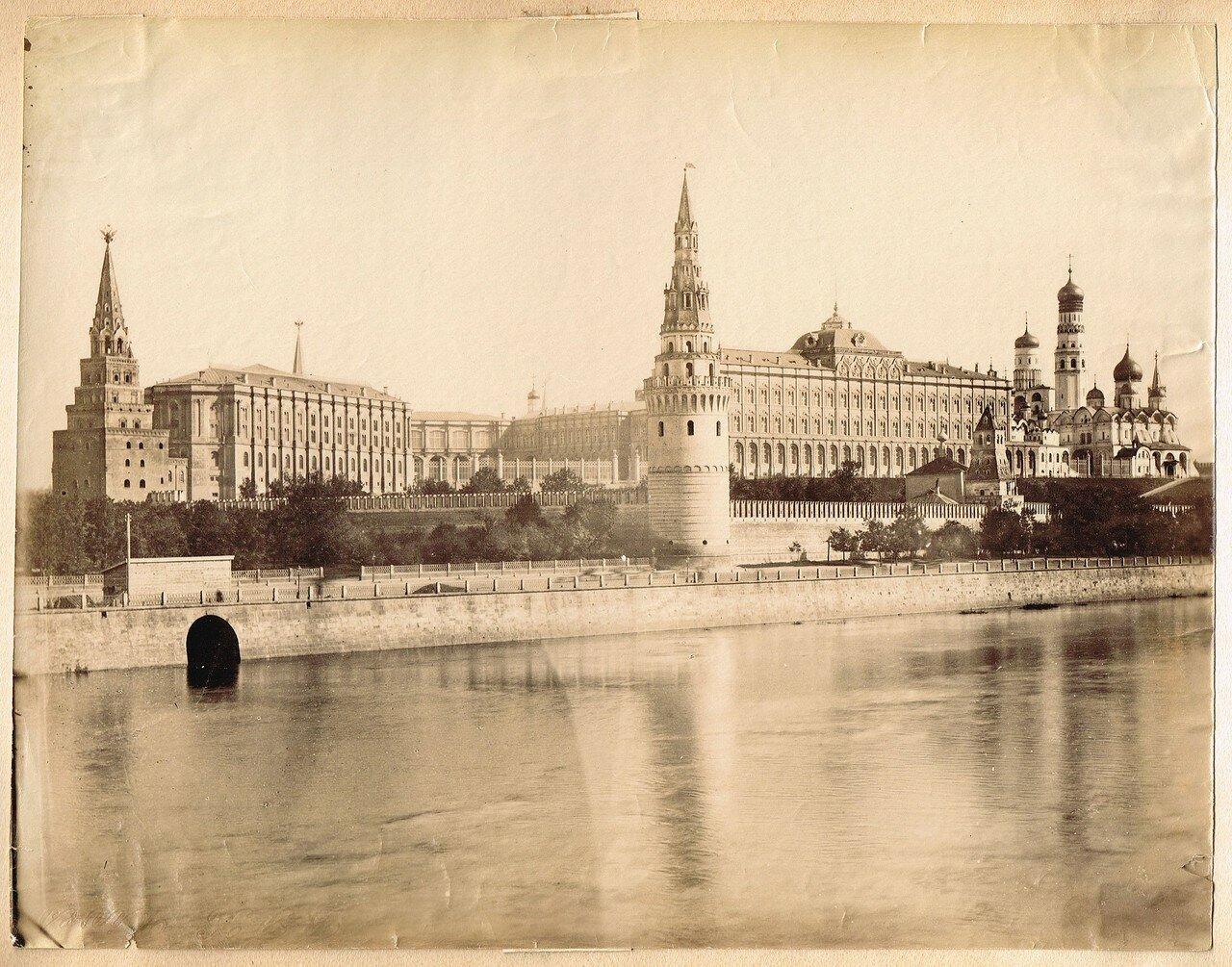 669. Вид на Кремль