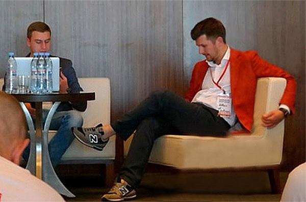 Ванька Калюжный и Дмитро Пилипенко в битве за урожай на сцене НеФорума в Минске, 21-23 августа, 2015(2)