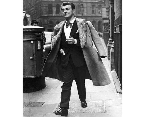 LE COIFFEUR RAYMOND BESSONE A LONDRES EN 1954